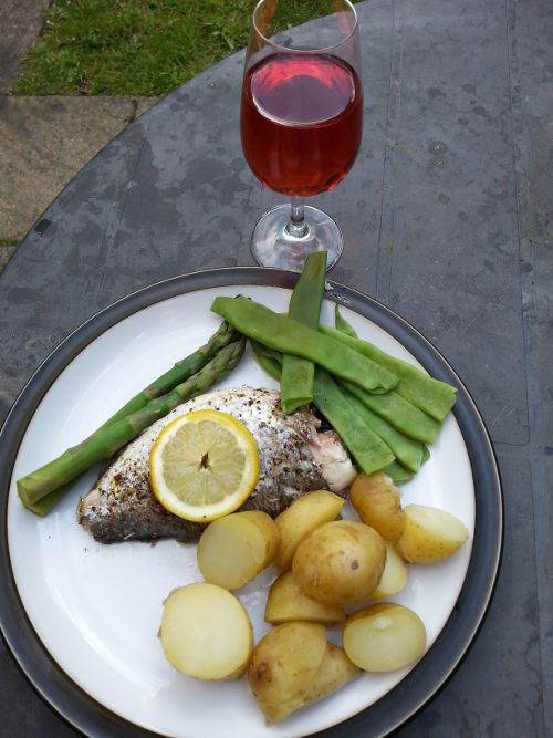 Fish with wine